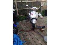 Moped Vespa copy 125cc crosser quad car shed