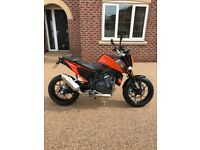 KTM DUKE 690 2017 IMMACULATE CONDITION ONLY COVERED 700 MILES