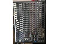 Makie cfx 16 channel analogue mixer