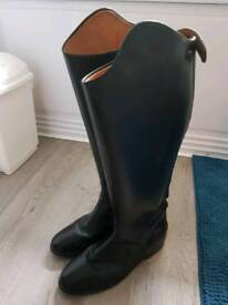 Tall full leather riding boot