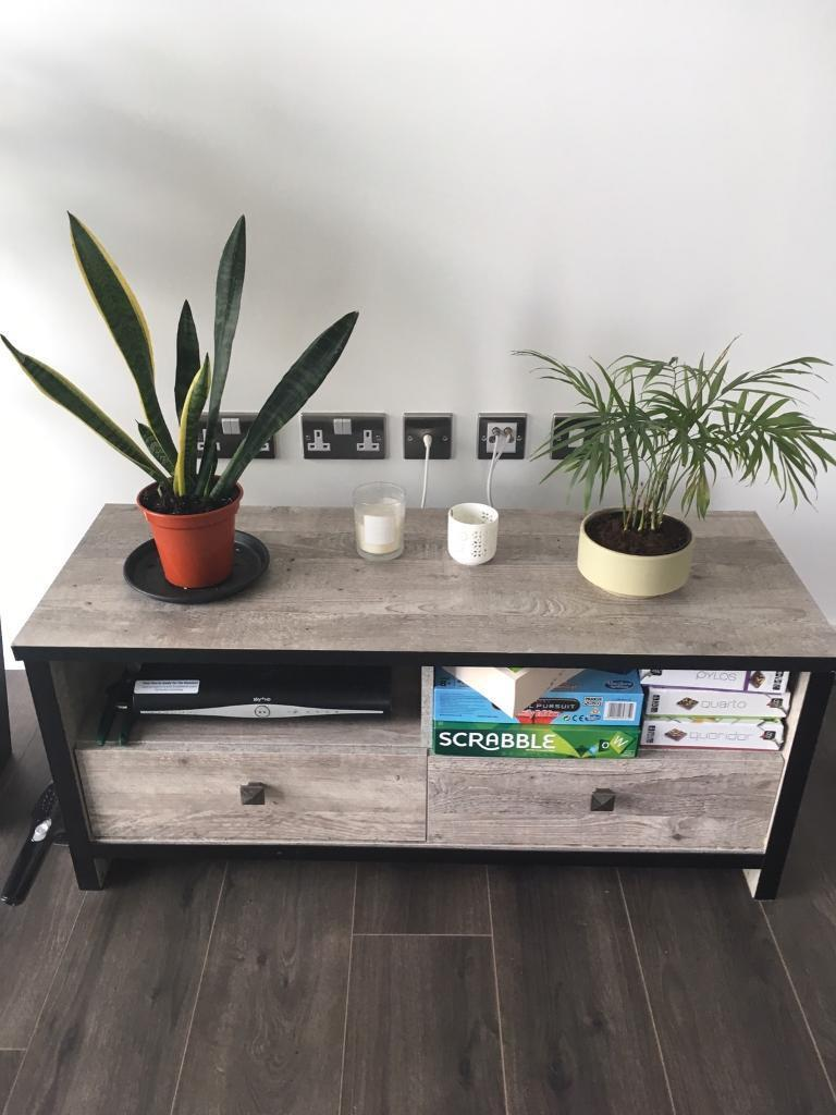 Matching coffee table and tv stand for £25 - good as new