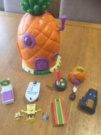 Sponge bob square pants house and accessories