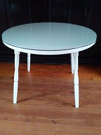 White 4-Seater Kitchen Table with Separate Glass Top
