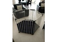 Dreambaby Royale Converta 3-in-1 baby playpen/gate with mat - white/navy hardly used!