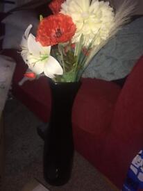 Large black base and flowers