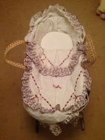 Baby Crib/Carrycot
