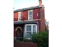 43 Club Garden Road: 4 bedroom house - 2 rooms available [house share]