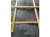Adjustable wooden frame for fabric painting, sewing, tapestry