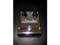 Akai Professional Analog Custom Shop Compressor Guitar Effects Pedal