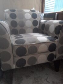 Chair occasional immaculate comfy beautiful would look good in any room browm circle pattern