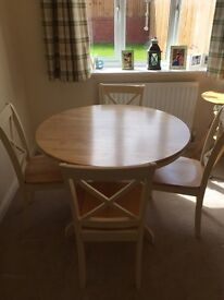 Dining table and chairs in very good used condition