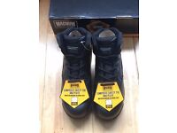 Magnum Boots Size 4 Brand New