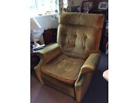 **FREE**RECLINER CHAIR IN GOLD DRALON