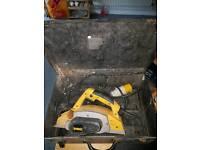 DEWALT PLANER 110V WITH BOX