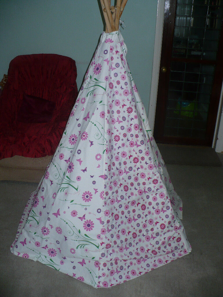 garden games ltd flower and butterfly teepee/ wigwam play tent. vgc, hardly  used. rp £45-£60. | in camden, london | gumtree