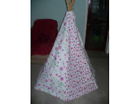 Garden Games Ltd Flower and Butterfly Teepee/ Wigwam Play Tent. VGC, hardly used. RP £45-£60.