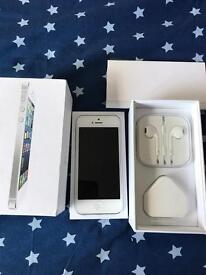 Iphone 5 unlocked 32gb( excellent condition)