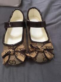 Girls shoes size 25