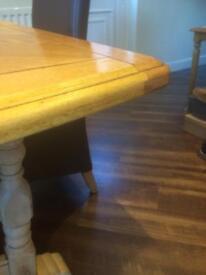 Oak extending table Reduced, Grab a bargain!