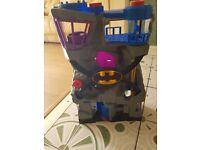 Batman cage
