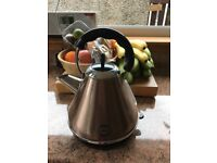 Gold / Copper Kettle & Toaster in Very Good Condition