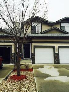 Cozy 3 Bedroom Townhouse in Fort Saskatchewan!!