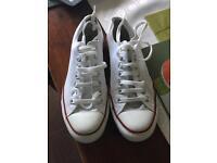 White converse Size 8.5