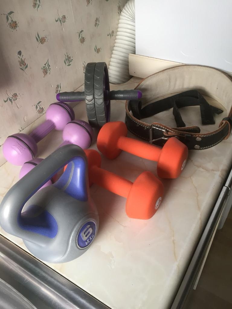 Fitness Exercise Equipment; Dumbbells, Kettle bell, weightlifting belt and ab roller