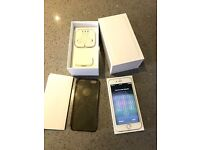 I Phone 6 Silver 16GB Boxed and Unlocked plus Clear protective case