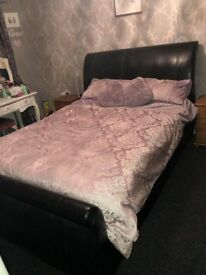 Black king size sleigh bed excellent condition