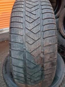 4 PNEUS HIVER - PIRELLI 235 65 17 - 4 WINTER TIRES