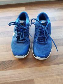 Nike FLEXRUN2015 trainerz. Size 4