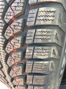 225/65/17 Bridgestone blizzak nouveau