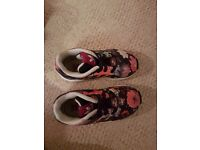 Girls ADDIDAS ZX FLUX TORSION TRAINERS size 7 in excellent condition.