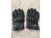 Motorcycle gloves armoured
