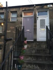 Great sized 2 bed unfurnished flat, Harcourt Rd Kirkcaldy