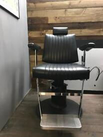Belmont Dainty Barber Chair
