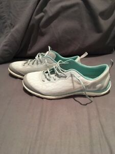 Merrell running shoes size 8