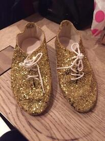 Girls gold glitter jazz shoes size 12