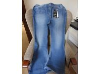 WOMENS SIZE 16 JEANS STILLED HAS LABEL ATTACHED