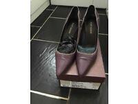 Ladies Kurt Geiger Court shoes Size 41/2