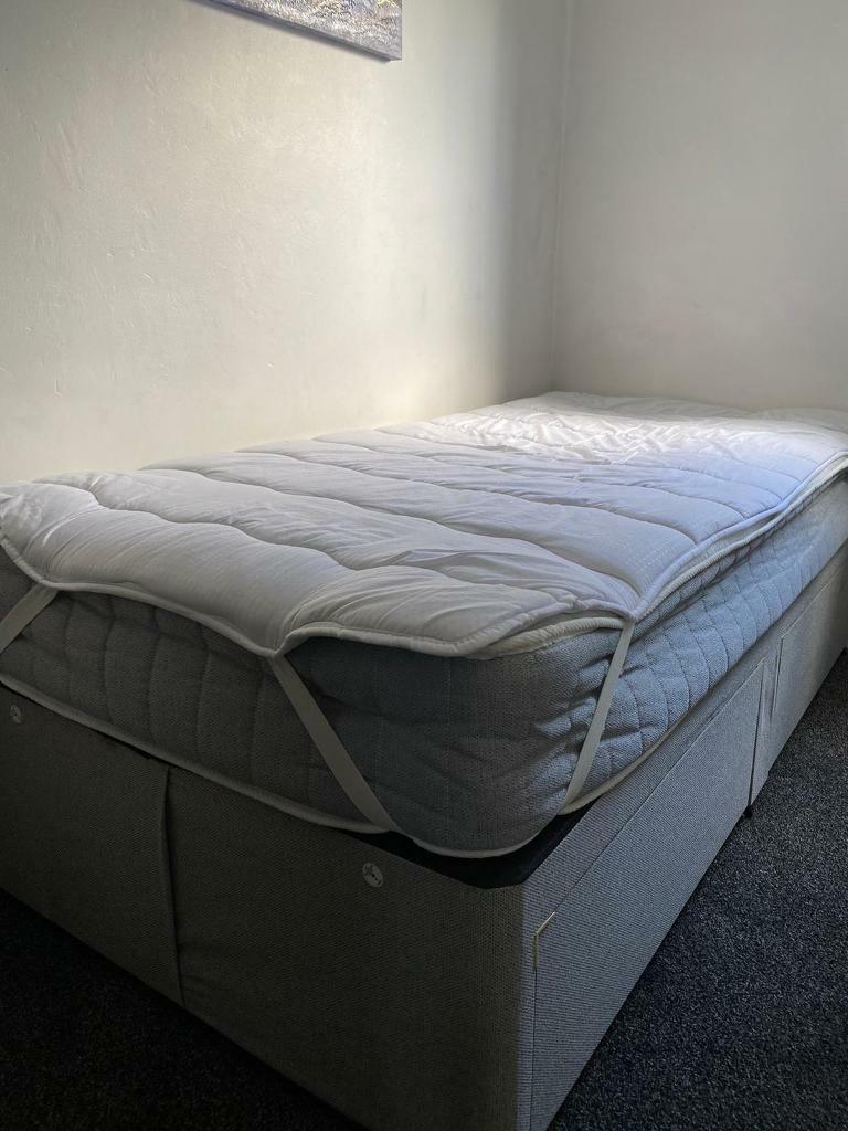 Picture of: Single Divan Bed In Midsomer Norton Somerset Gumtree