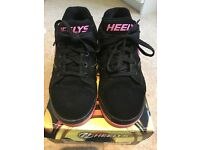 Girls heely's Size 5 , hot pink & black , boxed