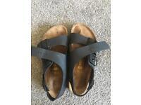 Birkenstock sandals unisex size 39 (6.5)
