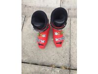Mensrrd salomon ski boots size 26 which is a 7.5