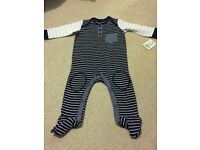 Boy baby grow, age 3-6 months