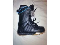 Nitro New! size 6.5uk snowboard boots .