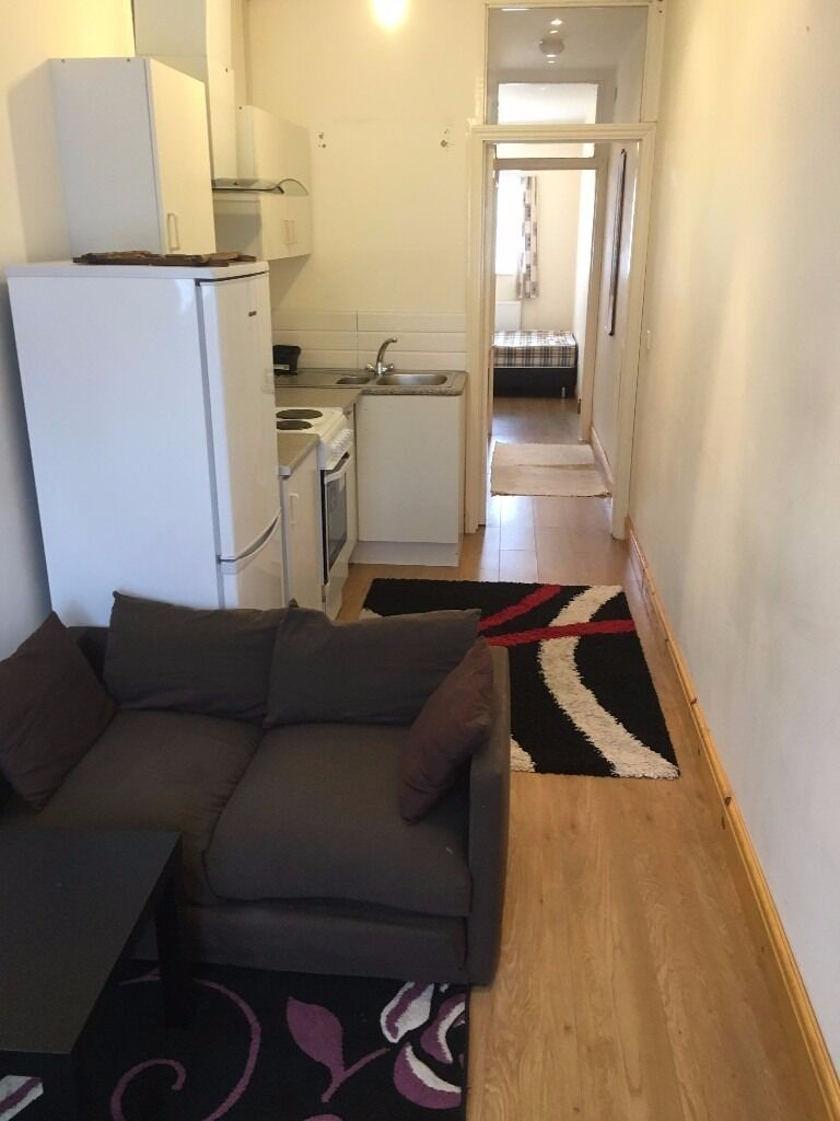LARGE STUDIO (SEPARATE BEDROOM) TO RENT IN BARKING £800PCM (ALL BILLS INCLUDED)