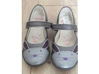 New clarks bunny shoes size 9F