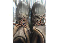 Ladies hiking boots M&S size 7 only worn once excellent condition